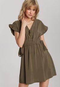 Renee - Ciemnozielona Sukienka Jennidine. Kolor: zielony