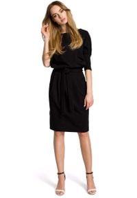 MOE - Czarna Sukienka z Wiązanym Paskiem w Sportowym Stylu. Kolor: czarny. Materiał: elastan, bawełna. Typ sukienki: sportowe. Styl: sportowy