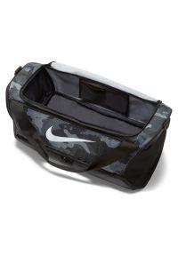 Torba sportowa Nike Brasilia M DB1162. Materiał: poliester. Sport: fitness