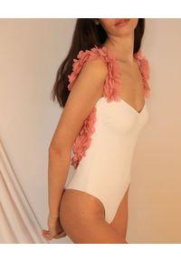 LA REVECHE - Strój kąpielowy Amira. Kolor: biały. Materiał: tkanina, poliamid, elastan. Wzór: kwiaty, aplikacja
