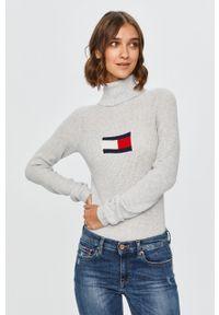 Szary sweter Tommy Jeans z golfem, z długim rękawem, casualowy, na co dzień