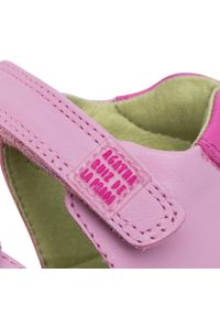 Różowe sandały Agatha Ruiz de la Prada na lato, na co dzień