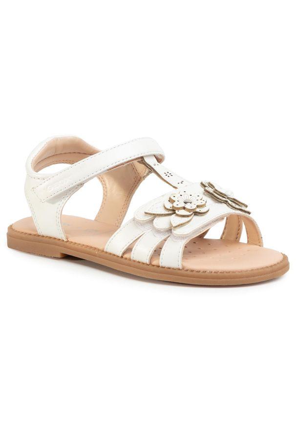 Białe sandały Geox na lato, z aplikacjami