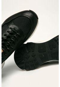 Czarne sneakersy vagabond z okrągłym noskiem, z cholewką