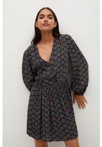mango - Mango - Sukienka AFRICA. Kolor: czarny. Materiał: tkanina. Długość rękawa: długi rękaw. Typ sukienki: rozkloszowane
