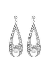 Braccatta - RAJSKIE PTAKI Długie srebrne kolczyki z perłą. Materiał: srebrne. Kolor: srebrny. Kamień szlachetny: perła