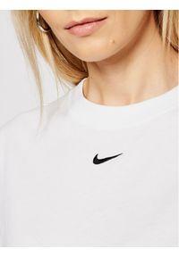 Biała sukienka Nike prosta, na co dzień