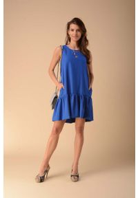 Niebieska sukienka wizytowa Nommo na lato