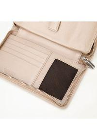 Wittchen - Damski portfel skórzany z kieszenią na telefon. Kolor: beżowy. Materiał: skóra