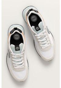 Białe sneakersy Colmar z cholewką, z okrągłym noskiem, na sznurówki
