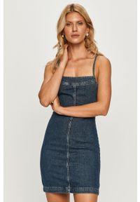 Niebieska sukienka Pepe Jeans mini, z dekoltem karo, na co dzień, na ramiączkach