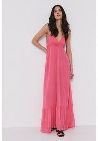 Pepe Jeans - Sukienka Halifaxe. Kolor: różowy. Materiał: tkanina. Wzór: gładki. Typ sukienki: rozkloszowane