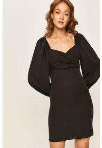 Czarna sukienka ANSWEAR mini, dopasowana