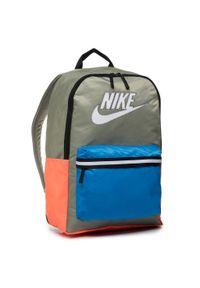 Zielona torba na laptopa Nike