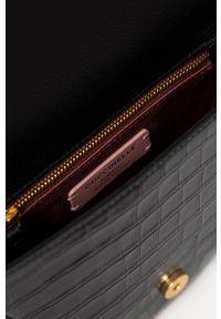 Coccinelle - Torebka skórzana Josephine. Kolor: czarny. Materiał: skórzane. Rodzaj torebki: na ramię
