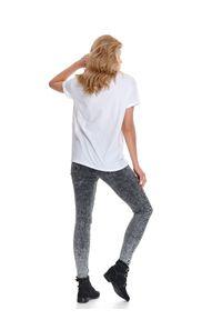 Biały t-shirt TOP SECRET casualowy, z nadrukiem, z krótkim rękawem, krótki