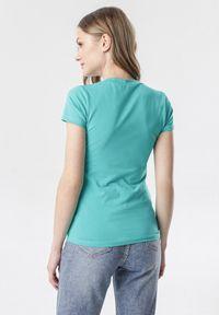 Born2be - Niebieski T-shirt Aegameda. Kolor: niebieski. Materiał: dzianina. Długość rękawa: krótki rękaw. Długość: krótkie
