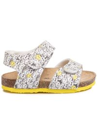 Białe sandały Primigi