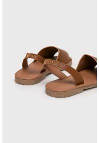Brązowe sandały Truffle Collection na średnim obcasie, na obcasie