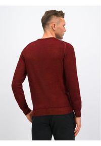 Czerwony sweter klasyczny Digel