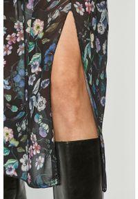 Czarna sukienka Haily's rozkloszowana, na co dzień, w kwiaty, midi