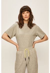 Szara bluzka Nike Sportswear na co dzień, casualowa