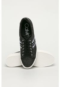Czarne tenisówki Calvin Klein z okrągłym noskiem, na obcasie, na sznurówki, z cholewką