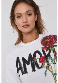 Desigual - T-shirt bawełniany. Kolor: biały. Materiał: bawełna. Wzór: nadruk