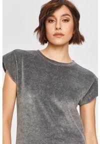 Szara bluzka Answear Lab wakacyjna, na co dzień