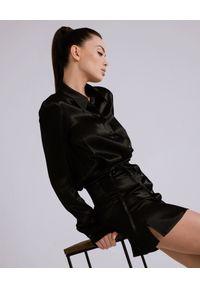 DOLLINA - Czarna mini sukienka z wiskozy Azala. Kolor: czarny. Materiał: wiskoza. Typ sukienki: dopasowane. Styl: glamour. Długość: mini