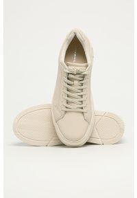 Białe buty sportowe vagabond na sznurówki, z cholewką