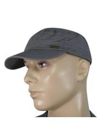 Szara czapka na lato