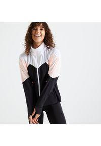 DOMYOS - Bluza fitness Domyos 500 na zamek. Kolor: biały, czarny, wielokolorowy, różowy. Materiał: poliester, elastan, materiał. Sport: fitness