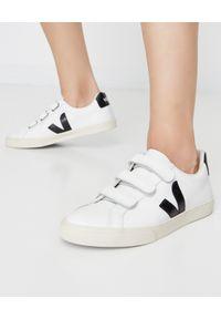 Veja - VEJA - Białe sneakersy Esplar 3-Lock. Zapięcie: rzepy. Kolor: biały. Materiał: bawełna, jeans, materiał, guma. Wzór: napisy, paski, aplikacja