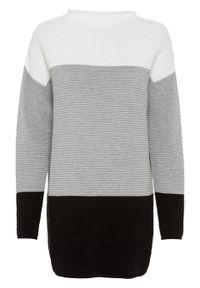Biały sweter bonprix ze stójką, w paski, długi