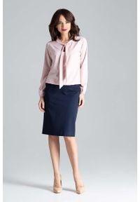 Katrus - Różowa Elegancka Bluzka z Wiązaniem przy Dekolcie. Kolor: różowy. Materiał: elastan, poliester. Styl: elegancki