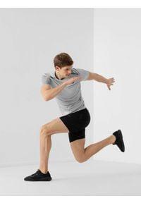 4f - Spodenki do biegania męskie. Kolor: czarny. Materiał: dzianina, skóra. Sport: fitness