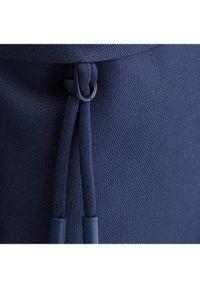 Niebieska nerka Lacoste