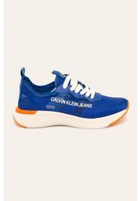 Niebieskie buty sportowe Calvin Klein Jeans z okrągłym noskiem, z cholewką, na obcasie