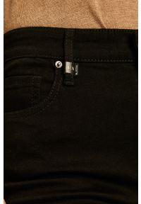Czarne jeansy Armani Exchange w kolorowe wzory
