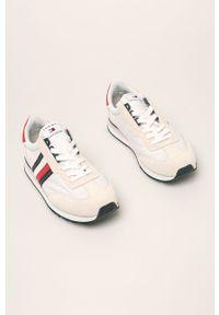 Kremowe sneakersy TOMMY HILFIGER na sznurówki, z okrągłym noskiem, z cholewką