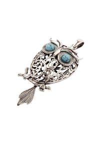 Polcarat Design - Srebrny wisiorek z turkusami SOWA W 1669. Materiał: srebrne. Kolor: srebrny. Wzór: aplikacja. Kamień szlachetny: turkus