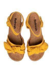 Żółte sandały Refresh z aplikacjami, casualowe, na co dzień