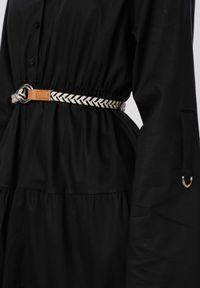 Born2be - Czarna Sukienka Fogmane. Kolor: czarny. Długość rękawa: długi rękaw. Wzór: aplikacja. Typ sukienki: koszulowe. Styl: boho. Długość: mini