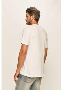 Biały t-shirt Tommy Jeans z nadrukiem, casualowy, na co dzień