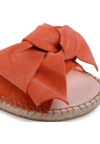 Pomarańczowe klapki Manebi