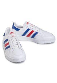 Białe półbuty Adidas na co dzień, casualowe, z cholewką