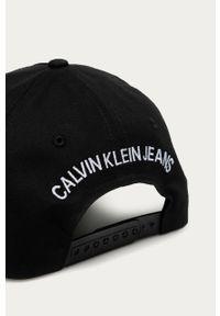Czarna czapka z daszkiem Calvin Klein Jeans z nadrukiem
