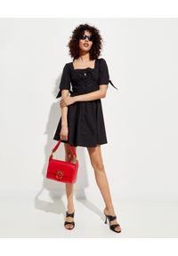 Pinko - PINKO - Czarna sukienka mini Assolto. Okazja: na randkę. Typ kołnierza: dekolt kwadratowy. Kolor: czarny. Materiał: bawełna. Styl: wakacyjny, klasyczny. Długość: mini