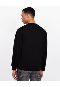 Armani Exchange - ARMANI EXCHANGE - Czarna bluza z haftowanym logo. Okazja: na co dzień. Kolor: czarny. Materiał: jeans, bawełna, prążkowany. Długość rękawa: długi rękaw. Długość: długie. Wzór: haft. Styl: casual, klasyczny